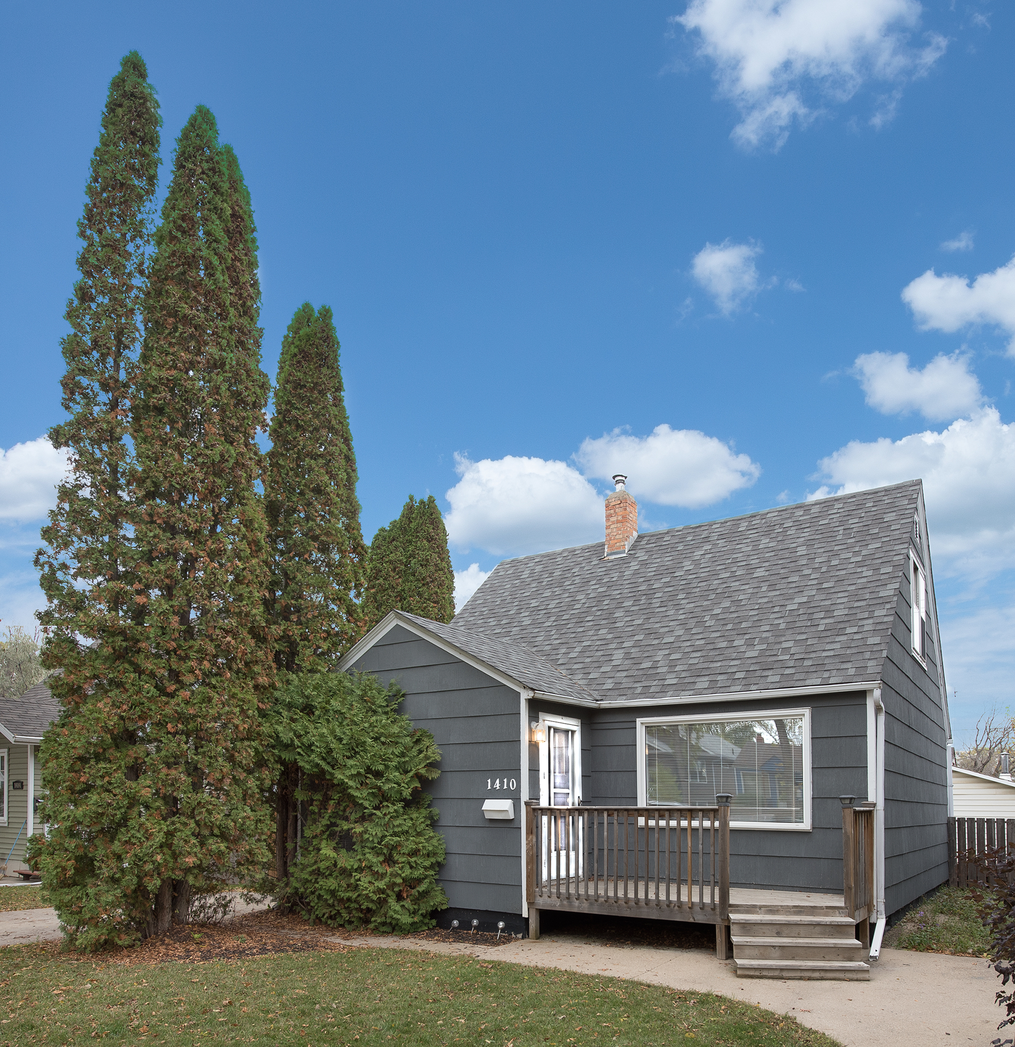 1410 10th Ave North, Saskatoon SK S7K 3A6
